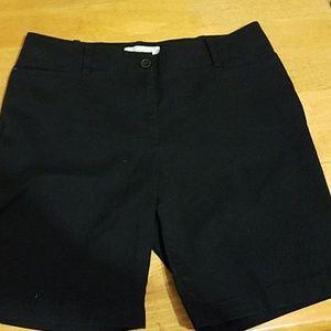 EUC.  Talbots 8P classic black shorts